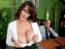 Fucking the mammoth titted MILF who's wearing glasses